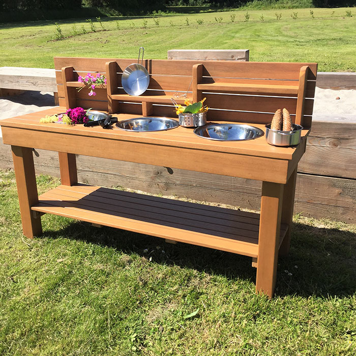 Messy Kitchen Table: Outdoor Messy Kitchen With 3 Bowls